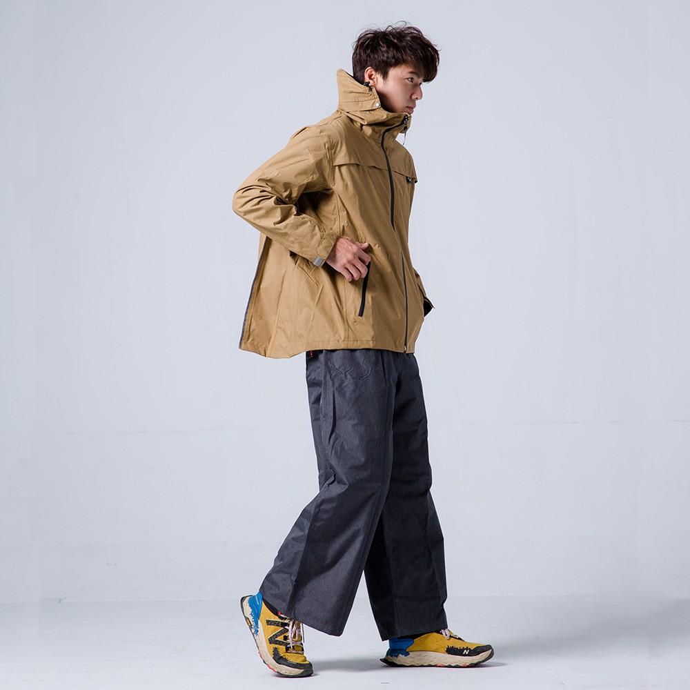 奧德蒙 兩件式雨衣 揹客 Packerism 夾克式背包款衝鋒雨衣(搭配深灰防水寬褲) 卡其 雨衣《淘帽屋》