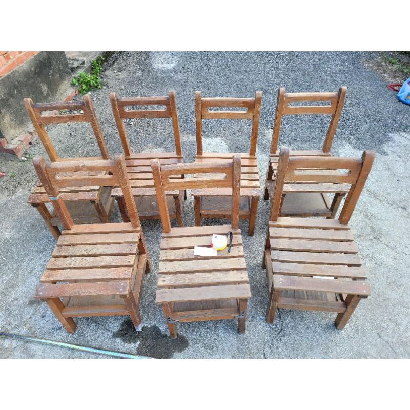 國小課桌椅,現場挑單張150元,只賣椅子喔,可幫寄2張350元(含50元耗材費)