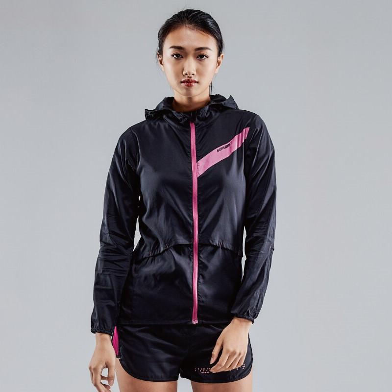 【SUPERACE】 輕柔超潑透氣跑步外套 / 女款 / 黑