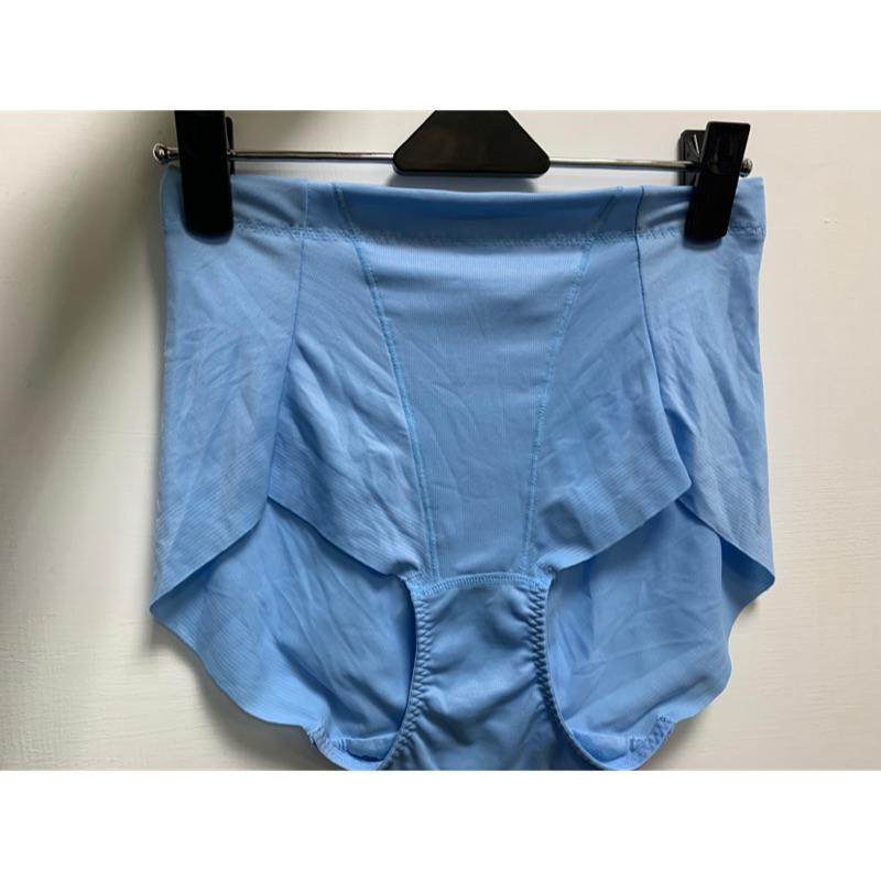 華歌爾=高腰三角冰涼奇異褲=64.70.76號=專櫃品質=樸實價格=