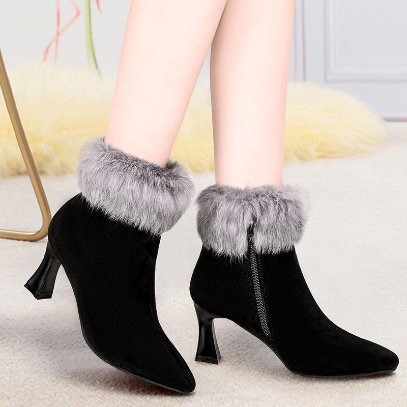 【現貨】秋冬新款韓版毛毛靴高跟鞋女絨面尖頭粗跟短筒雪地靴保暖媽媽棉靴