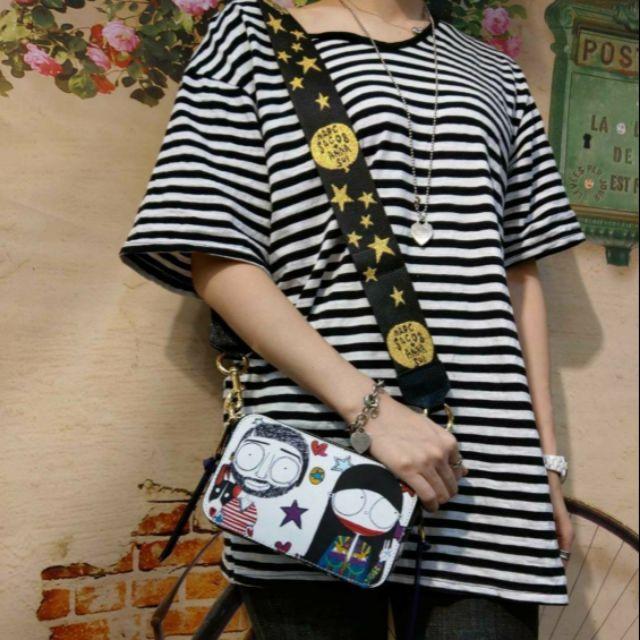 [C🎀U]MJ與ANNA SUI 的聯名設計款🤗🤗MJ小牛皮塗鴉雙拉斜背包  預購