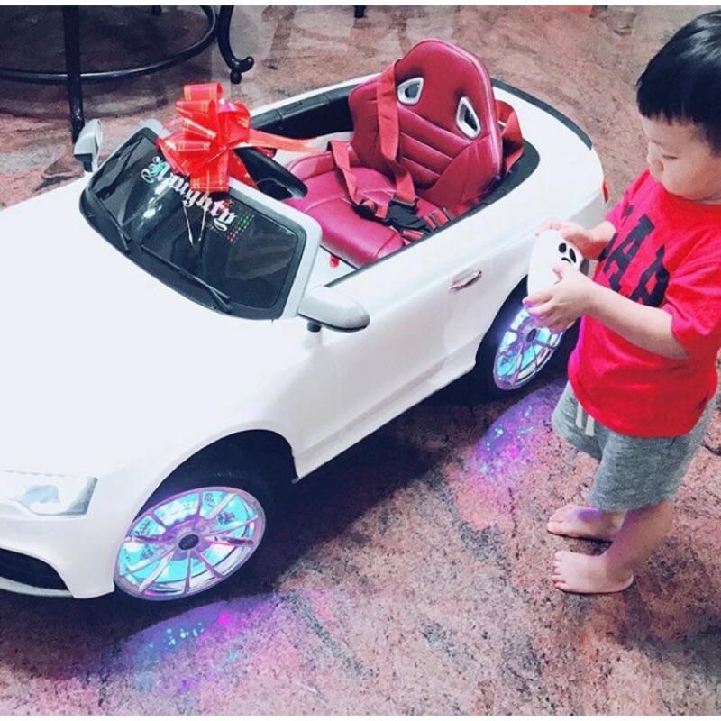 兒童超跑敞篷電動車 Audi RS5 白色款(二手)