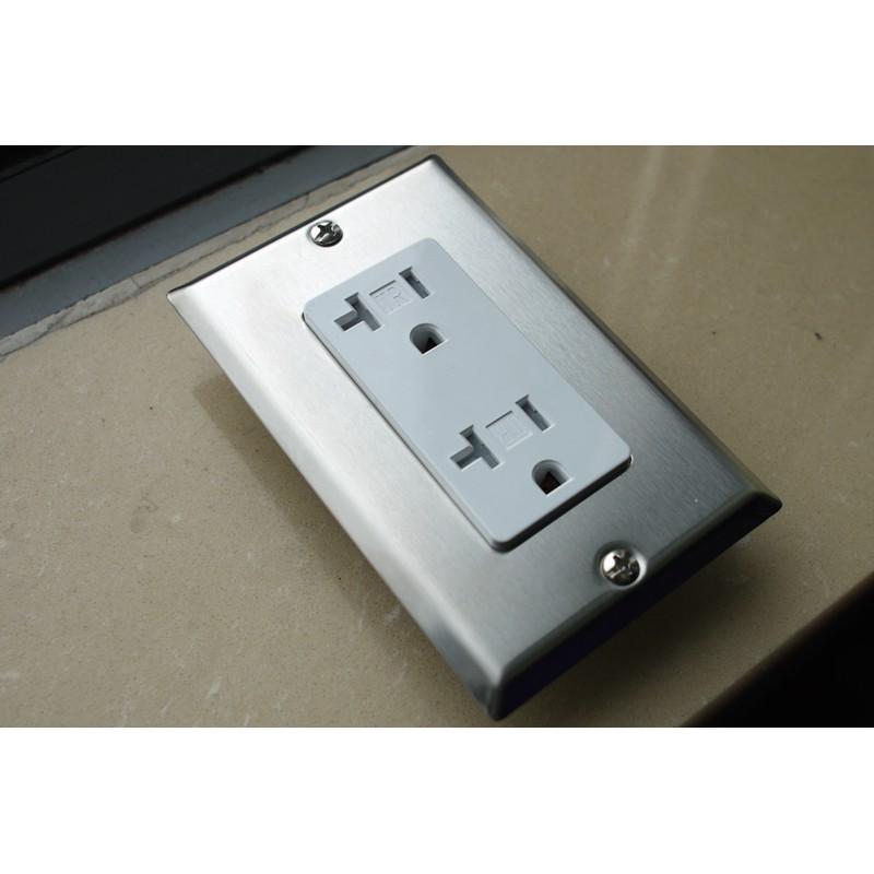 <<凱立音響電源>>美規UL認證高規TR USB防干擾防觸電防波濺插座,工業風 比松下和IG8300插座還安全
