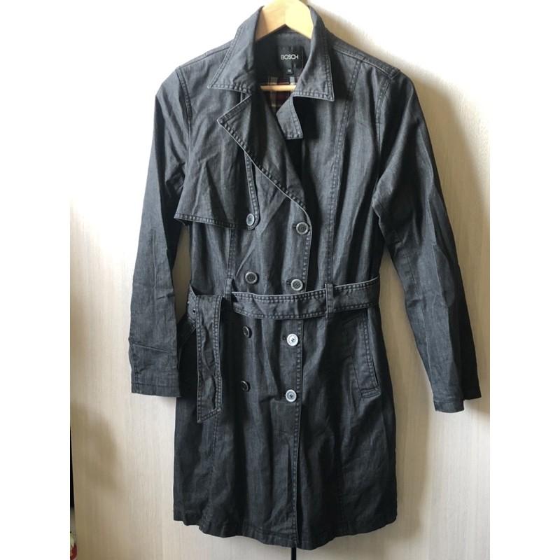 日本BOSCH 風衣長大衣 中長版繫帶綁帶大口袋立領外套 氣質款【雙排釦】鐵灰色