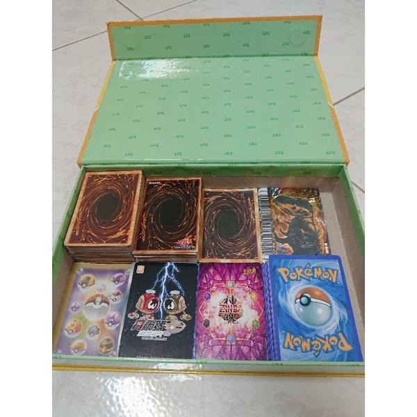 【出清】桌遊 ♣非原版/遊戲卡牌 遊戲王 寶可夢 賽爾號 神魄 恐龍(二手)(附贈手提收納盒-藍色)