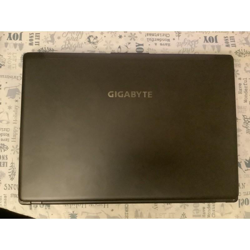 技嘉電競筆電 P34v3 顯卡GTX 970m 記憶體16G超級威猛電競機