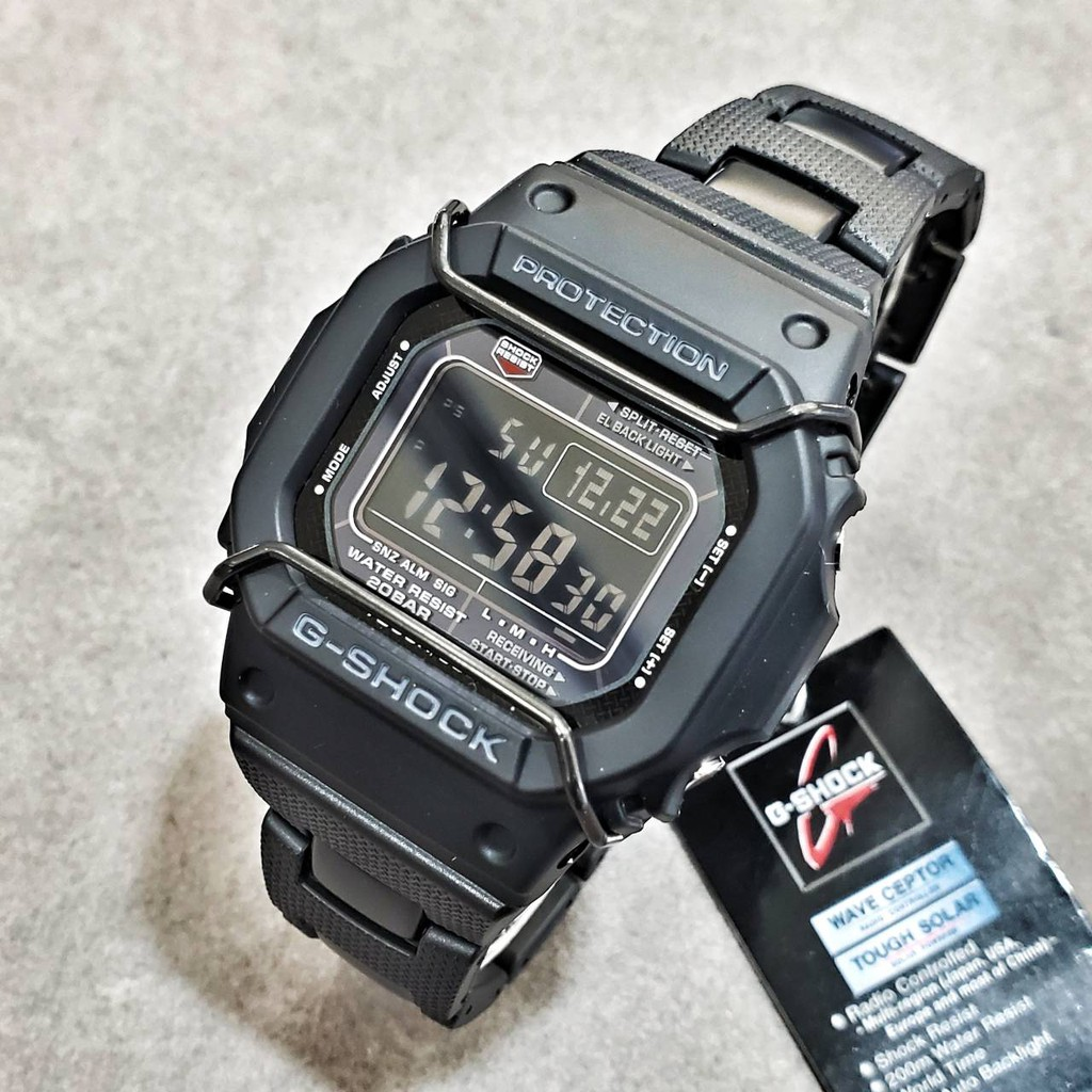 CASIO GW-M5610BC-1/ G-SHOCK太陽能電波系列/複合式鏈帶/附贈黑色保護桿/全新公司貨