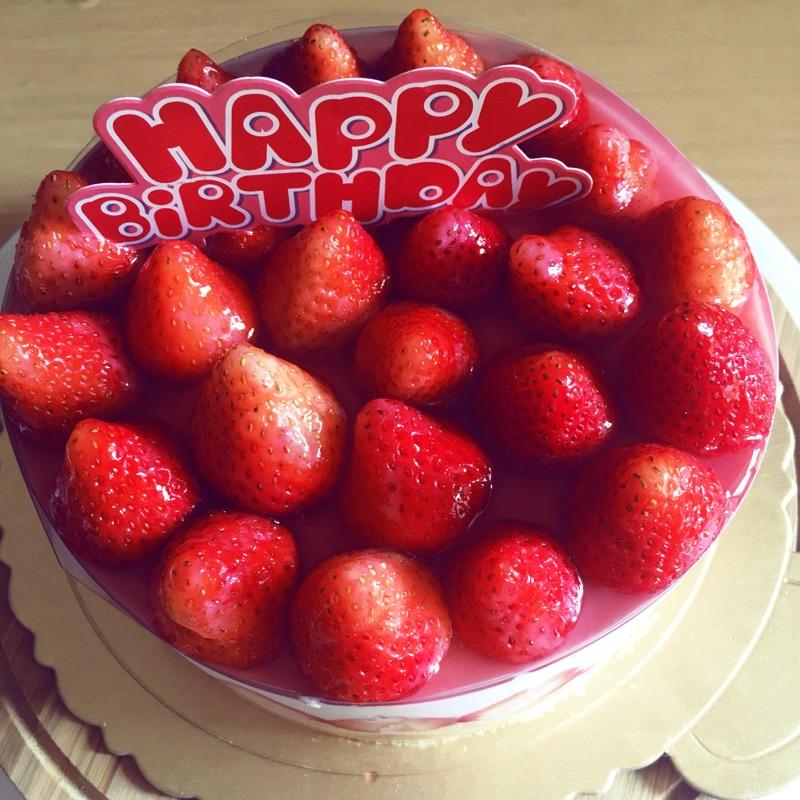 草莓晶凍慕斯蛋糕