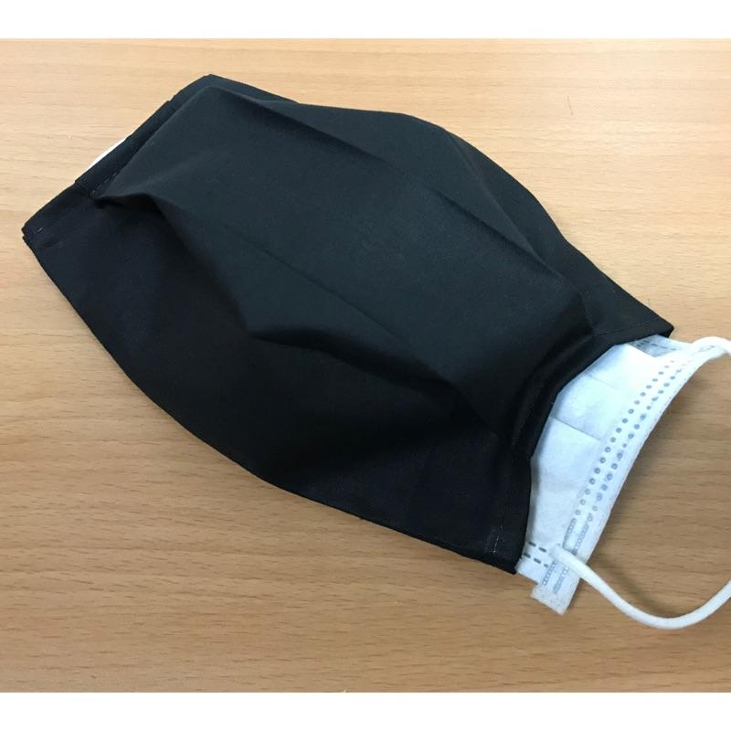 沛軒手作坊~(精梳棉)手作(黑色)布口罩套,可套入防塵口罩及醫療口罩皆適合,可自行更換中間夾層口罩,可水洗重複使用又環保