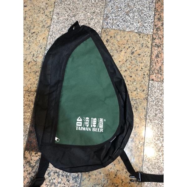 台灣啤酒 個性側斜背背包