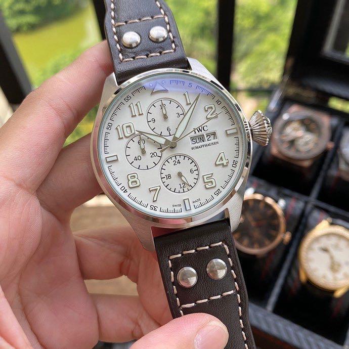 百年靈Breitling  新品運動機械腕錶  海報款