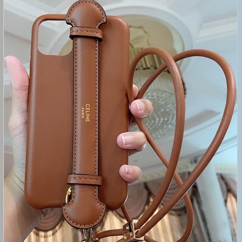 創意 時尚 手機殼 XS真皮Celine帶掛繩X適用蘋果12pro腕帶11max手機殼iphone7賽琳XR-**&