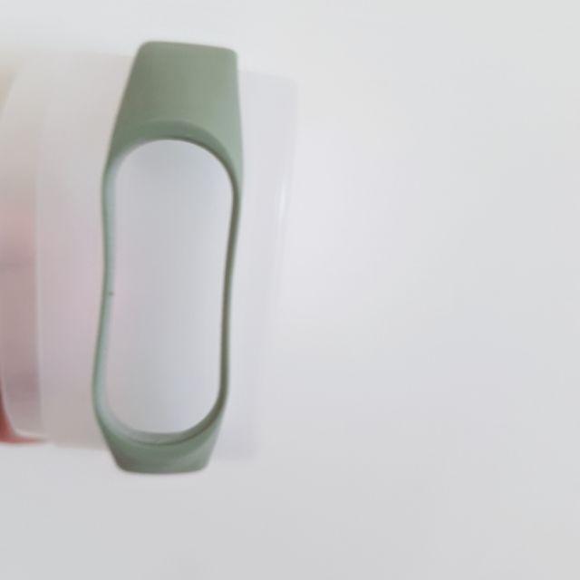二手9.5成新 小米手環四墨綠色錶帶