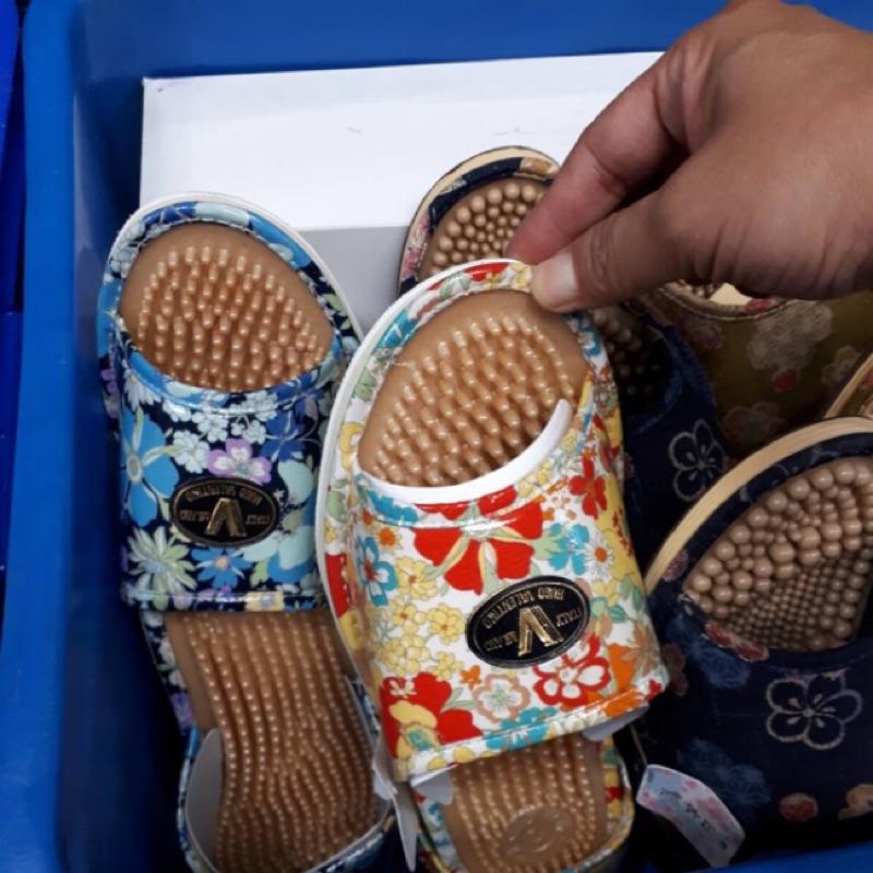 小花花日本精品♥ Hello Kitty 健康按摩拖鞋 室內拖鞋 按摩拖鞋 居家拖鞋 玫瑰花 ☆L
