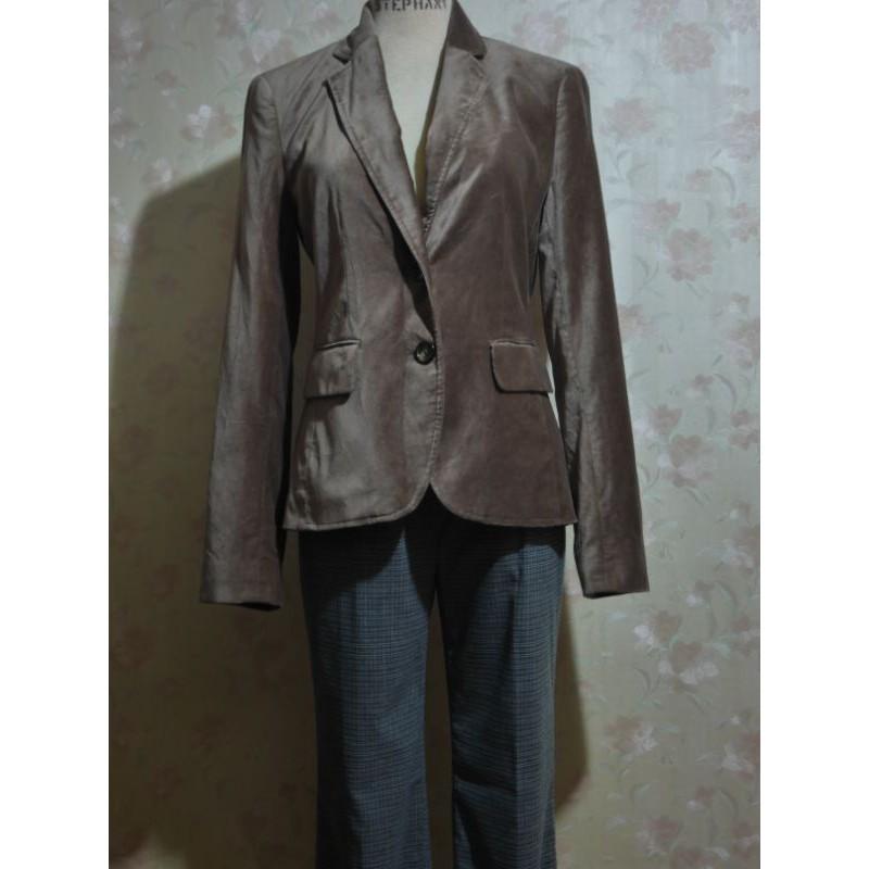 《年輕物語》美國品牌 BANANA REPUBLIC 咖啡絨布面西裝領休閒長袖外套 時尚風格 修身 氣質 淑女 甜美