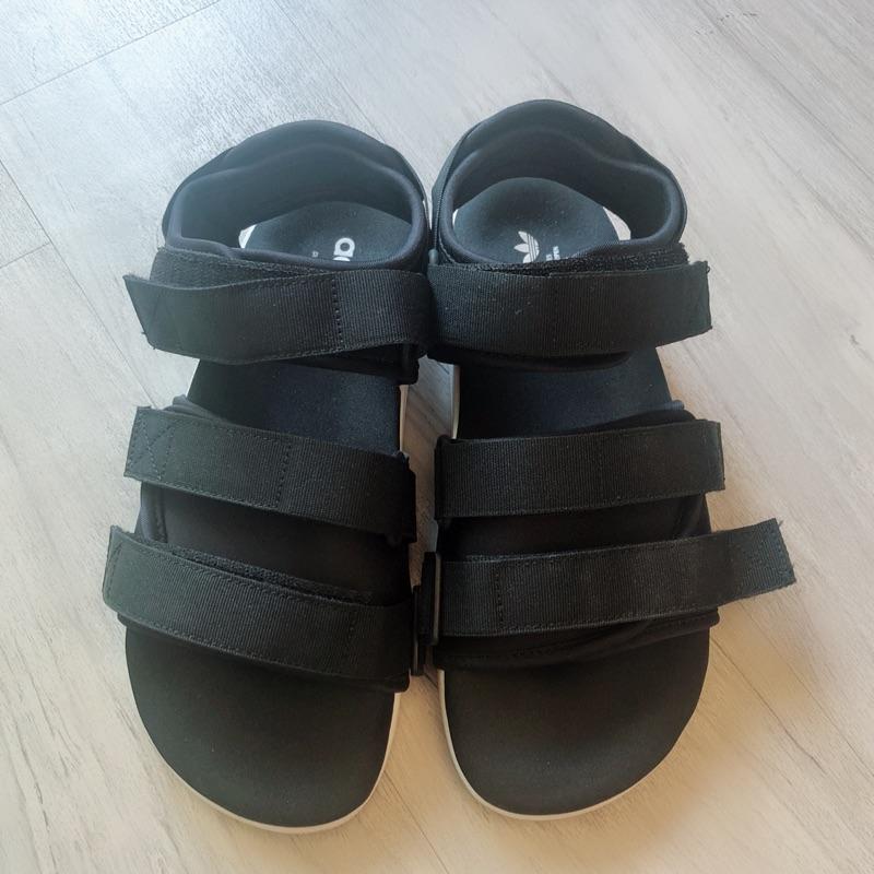 adidas繃帶式涼鞋