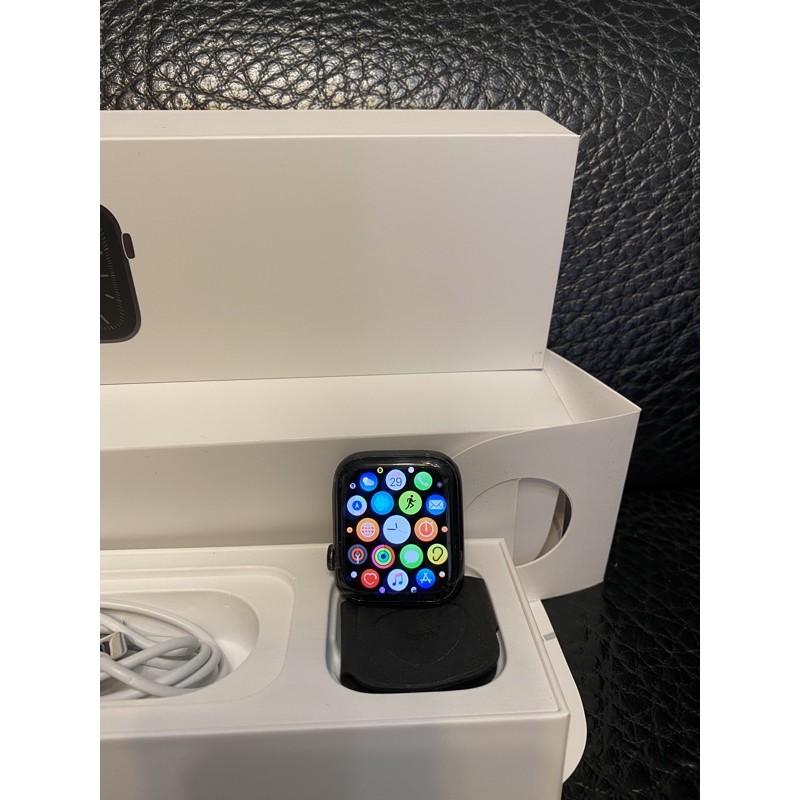 Apple Watch S5不鏽鋼LTE錶款44mm,近全新附兩組原廠錶帶,保固到12月