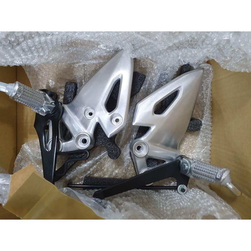 二手 小阿魯 GSX-R150 零件 排氣管 腳踏  後牌架  後土除 大燈罩 大燈殼 感應鑰匙皮套 前叉彈簧