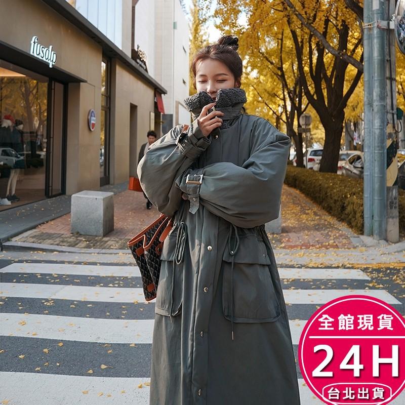 梨卡 - 加厚大毛領鋪棉羽絨棉拉鍊縮腰羊羔毛防風禦寒版風衣雪地衣外套長大衣AR158【現貨免運】