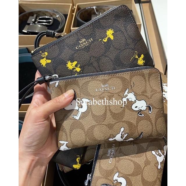 (預購)✨ Sarabeth shop ✨ 🇺🇸美國Coach Snoopy零錢手拿包(小)