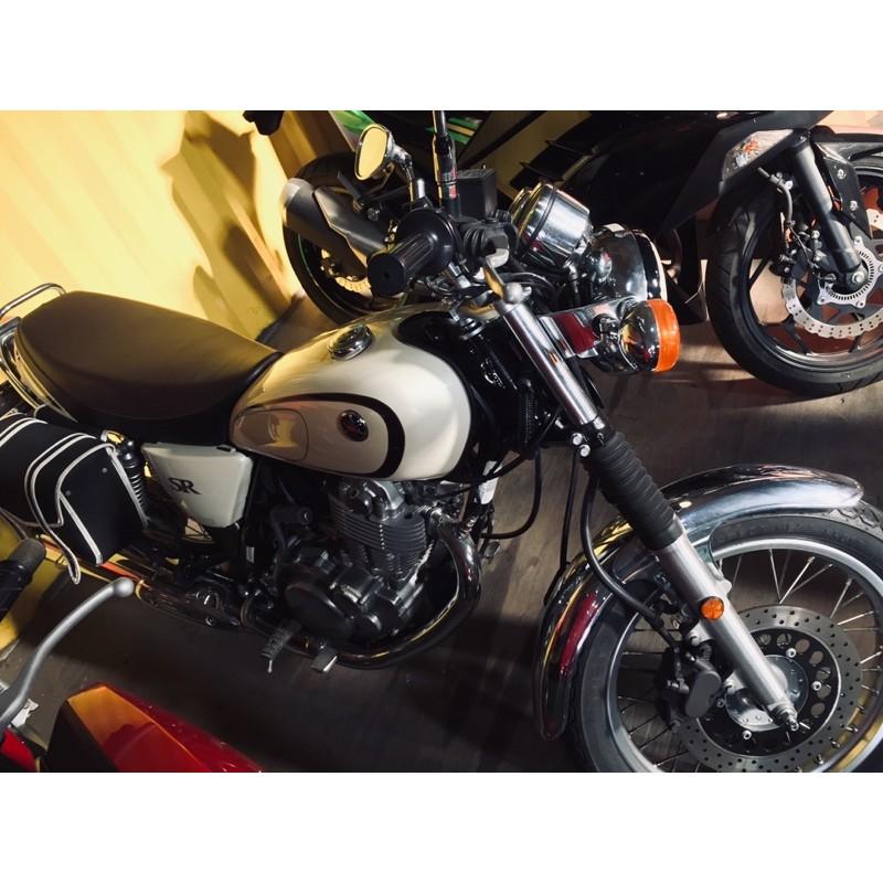 〖天美重車 中古車】 YAMAHA SR400 米白色 二手復古單缸街車 稀有顏色 美又棒