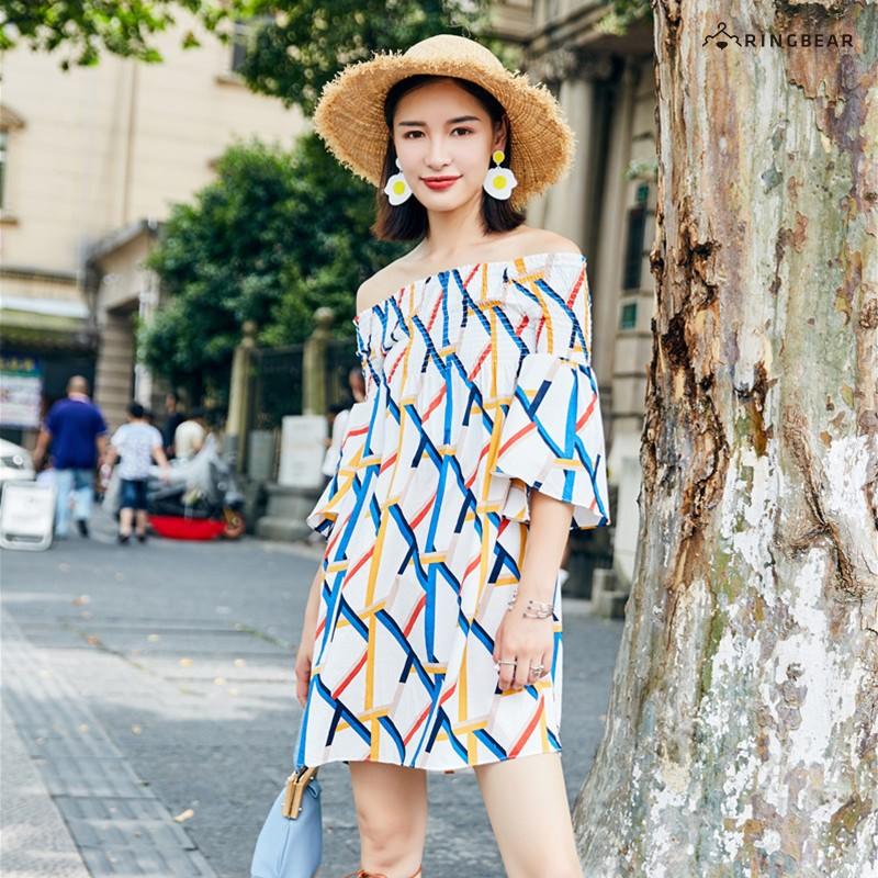 眼圈熊 中大尺碼 時尚甜美夏季渡假風格露肩喇叭五分袖一字領連身裙(白L-3L)-D514