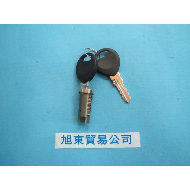 旭東偉士牌店....偉士牌.VESPA PE.T5 PK   鎖.包含2支鑰匙.1支鎖心[1支鎖心][市面]