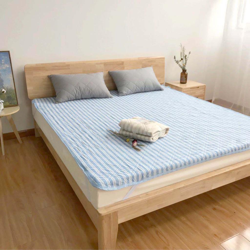 日本冰涼雙人床墊條紋圖案 竹纖維涼感床墊 夏季冷感科技 床包墊冰涼墊夏季涼爽冰絲床套單人床巾防滑墊 冰絲