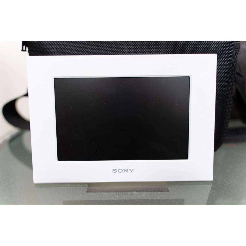 Sony s-frame DPF-C700 白色