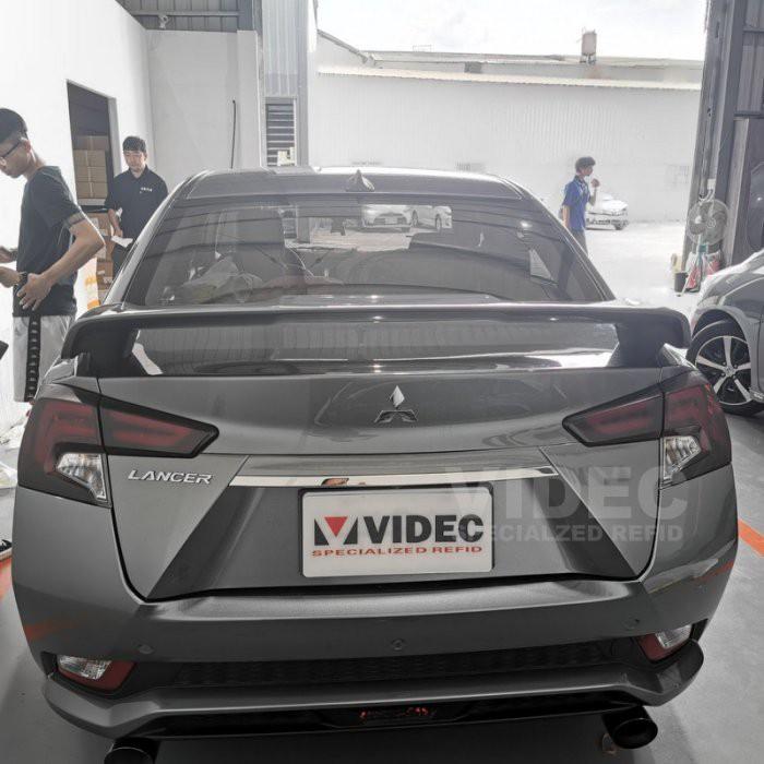 小七的車庫 三菱 17-19 GRAND LANCER 改裝 美規 尾翼 擾流板 EVO 現貨供應中 素材下標賣場