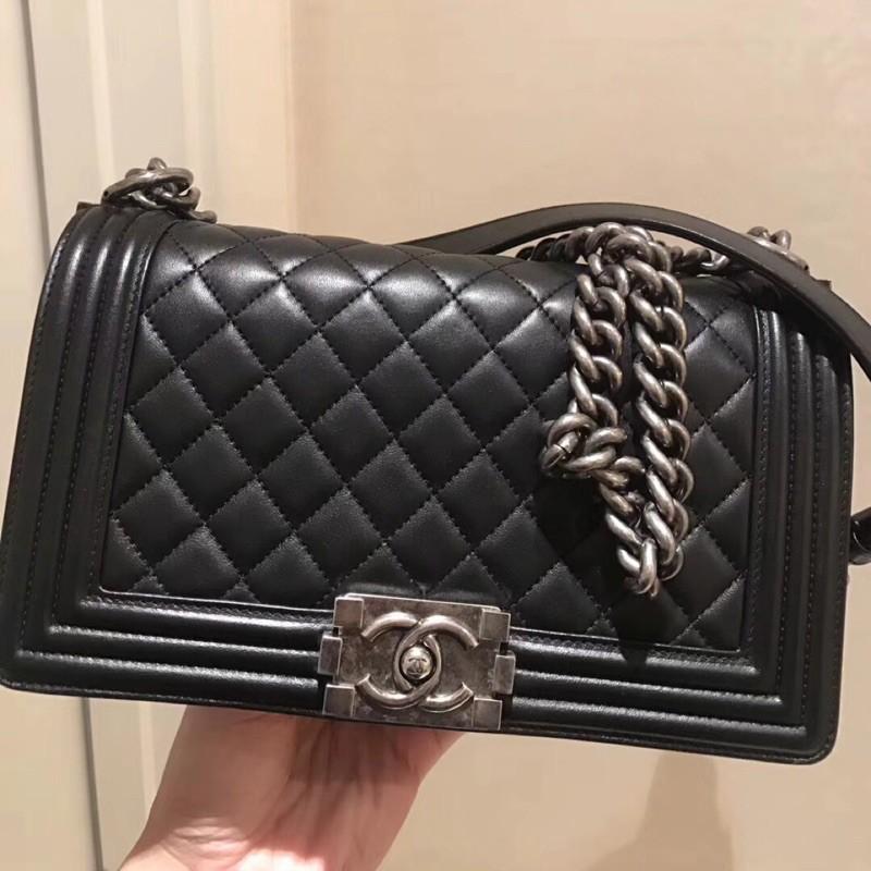 專櫃正品 Chanel Le Boy 25cm 黑色羊皮菱格紋做舊銀釦,實拍照