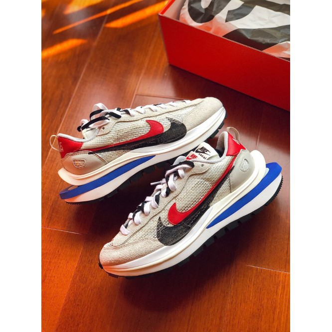 "日本購Sacai x Nike VaporWaffle ""Royal Fuchsia""灰白 CV1363-100"