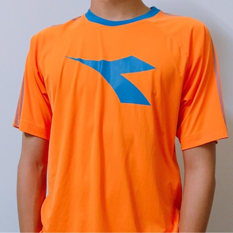 Diadora橘色短T上衣