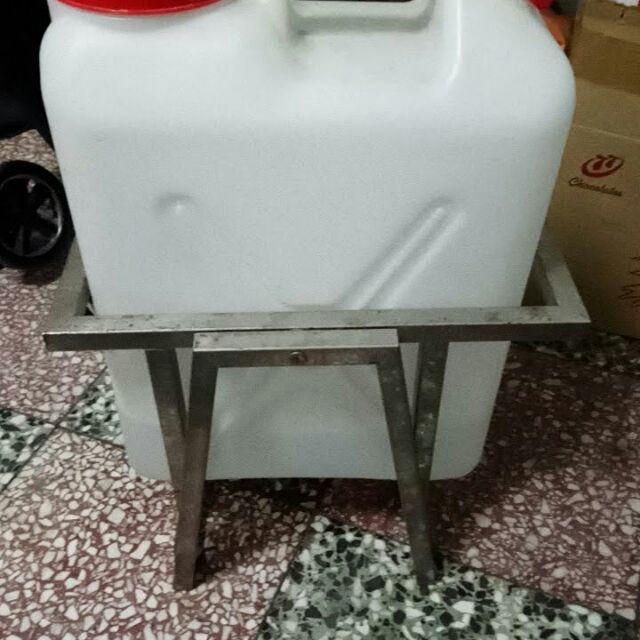 超省力水桶架(福利品工廠有空時才製作) 純手工 工廠直接製造  不鏽鋼水桶架  20公升水桶專用