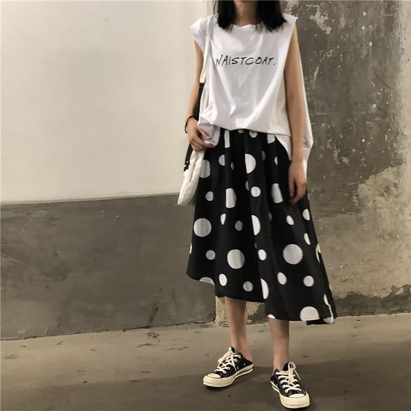不太一樣的-不規則大點小點長裙