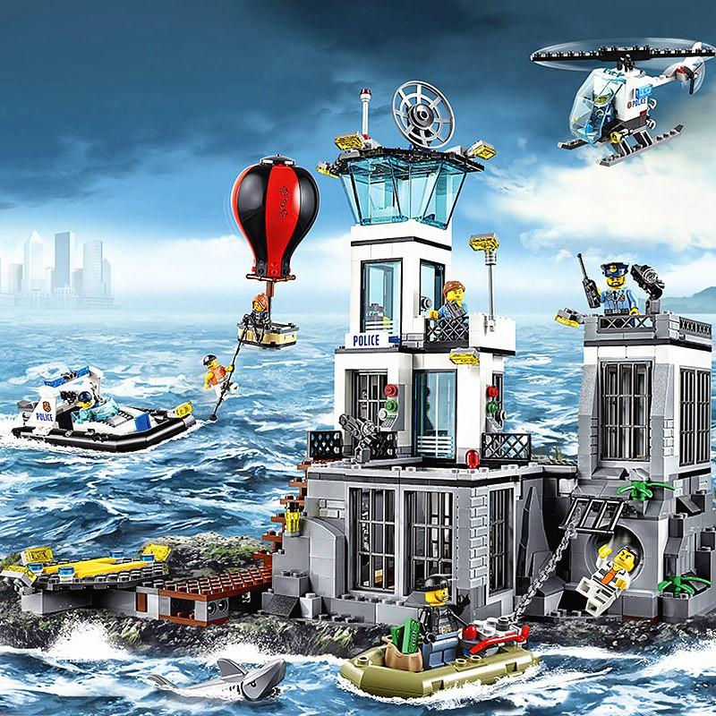 --*-*/+dyt168城市系列拼裝積木玩具海上監獄島飛機警系局警察局男孩子樂高拼圖