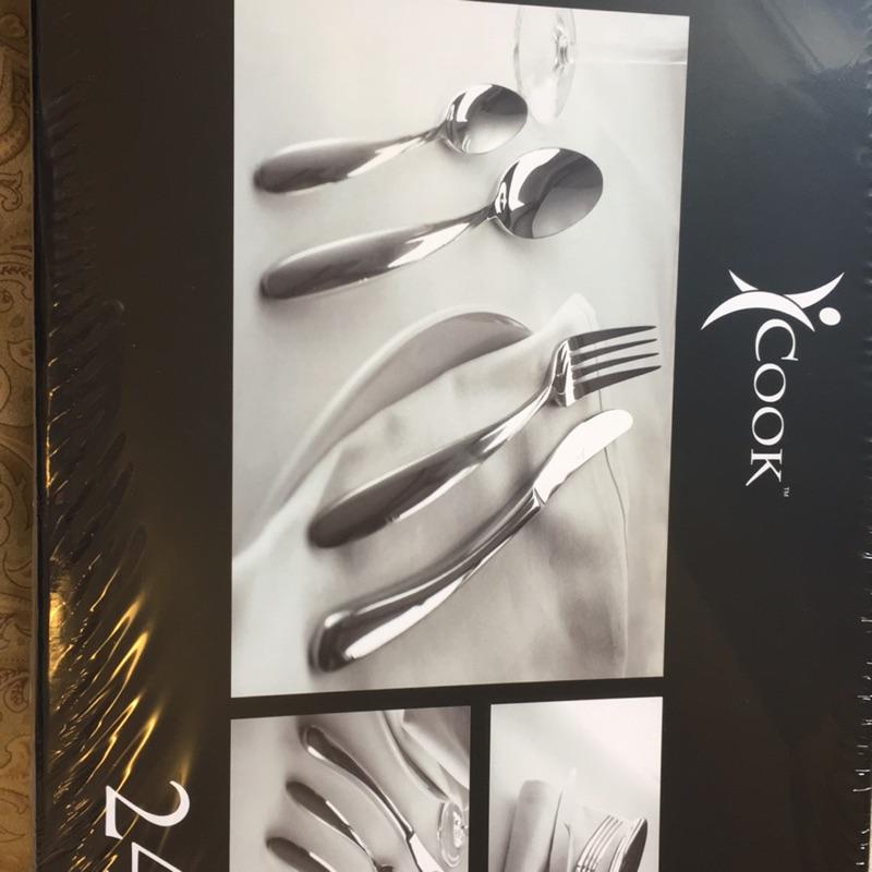 安麗不銹鋼餐具組(刀子、叉子、湯匙、點心匙)