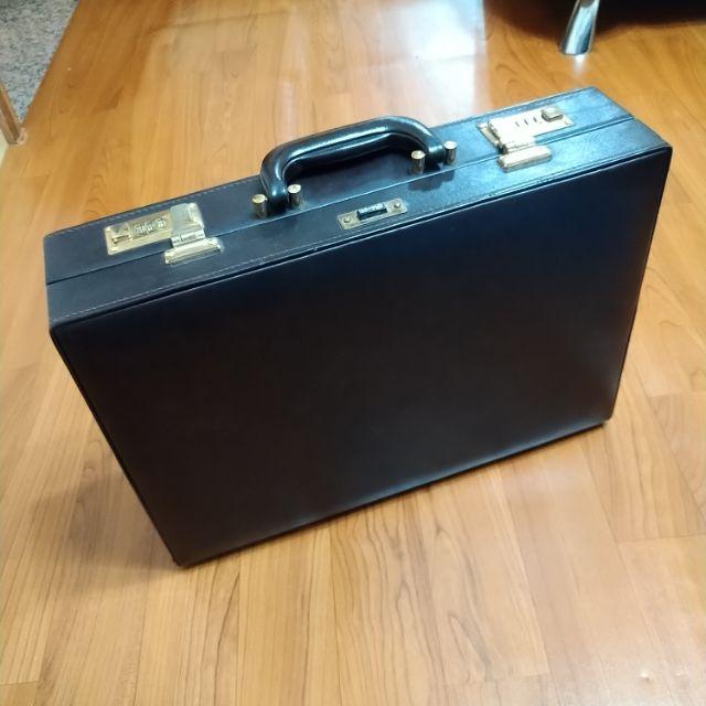 早期80年代(二手)公事箱皮箱文件箱手提箱旅行皮革007 高級特務007硬殼公事包復古| 蝦皮購物
