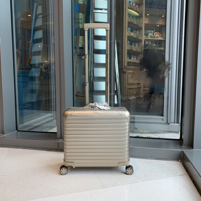 【L】全鋁鎂合金 德國Rimowa 日默瓦Topas 系列18寸公文箱機長登機箱!尺寸非常巧妙,內格是分隔層的,東西很好