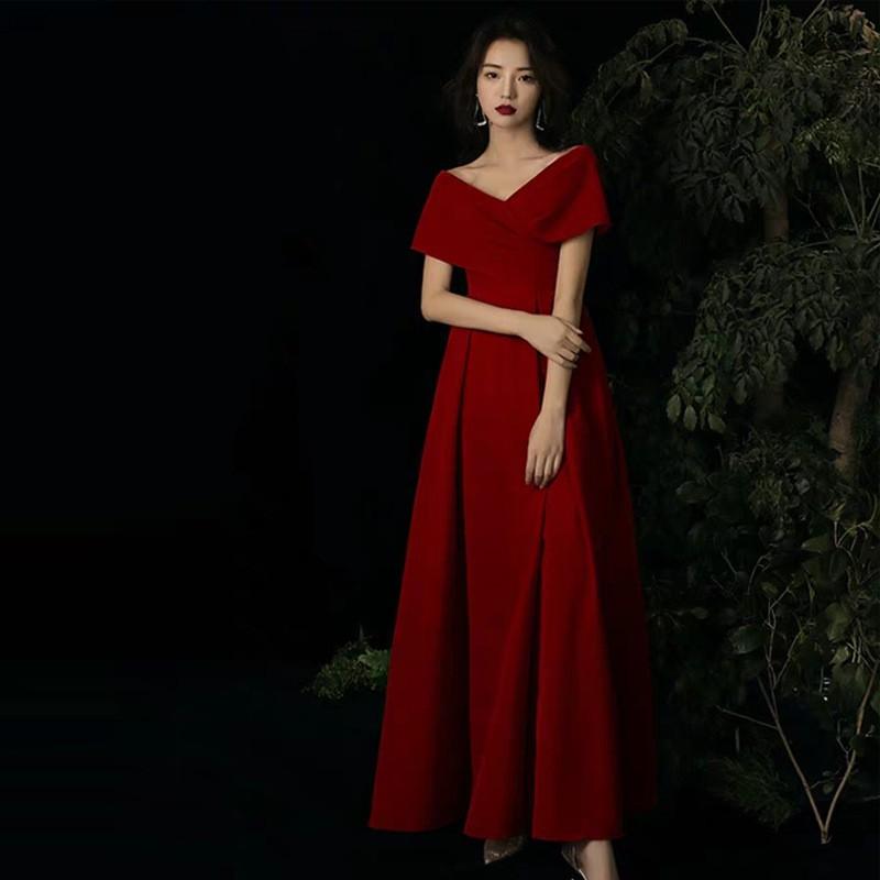 👍好物推薦 紅色禮服交叉一字領露肩短袖顯瘦長連衣裙新娘回門宴敬酒服主持人