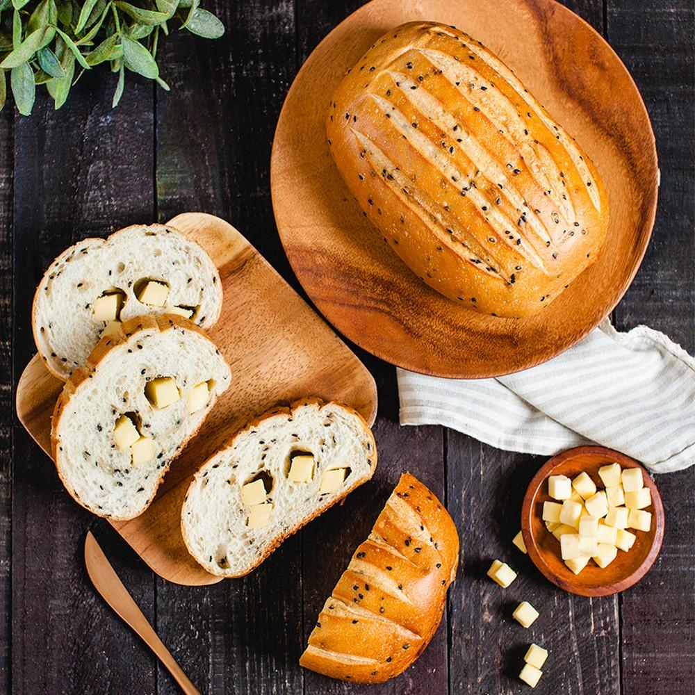 唐緹|黑芝麻乳酪麵包