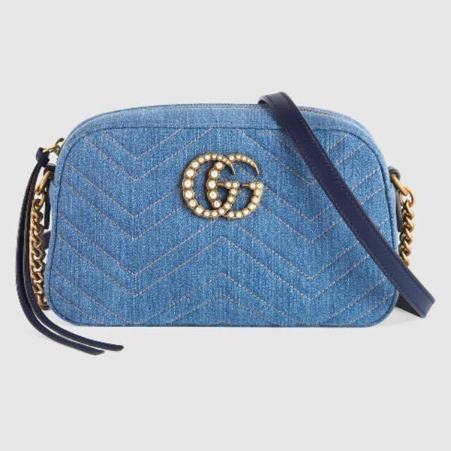 Gucci Marmont mini 牛仔布珍珠款 珍珠點綴雙G肩背包。 日本限定