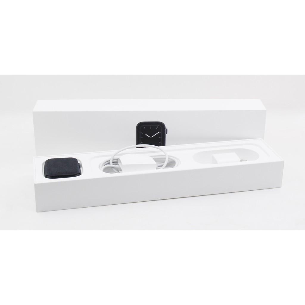 【青蘋果】 Apple Watch5 44mm 黑 二手智慧型穿戴手錶 #DA143