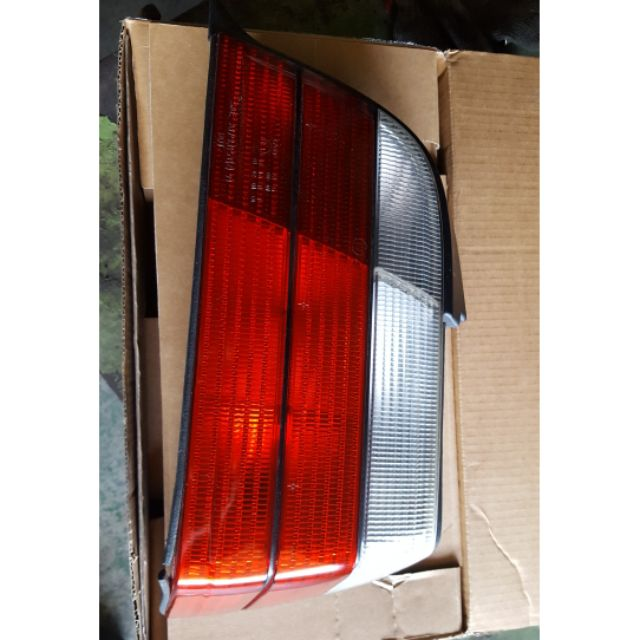 BMW E36 2D 原廠 尾燈 右後