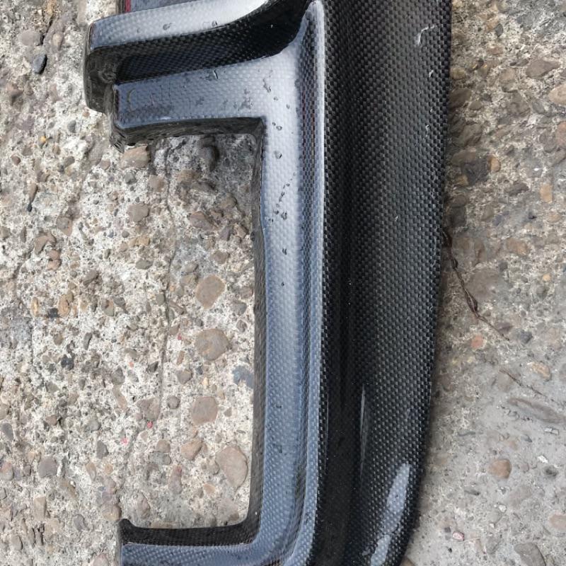 BMW f10 類m5 後下巴碳纖維分流器
