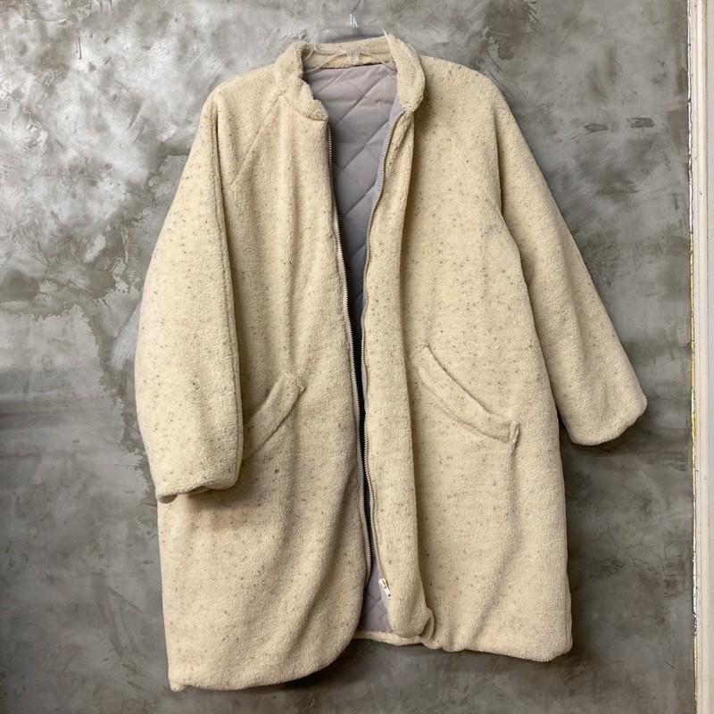 芝麻燕麥毛毛立領鋪棉寬鬆長大衣外套 棉襖 熊熊 內裡撞色 圖二有一小洞 圖四內裡有褪色 便宜賣 胸寬68 長93