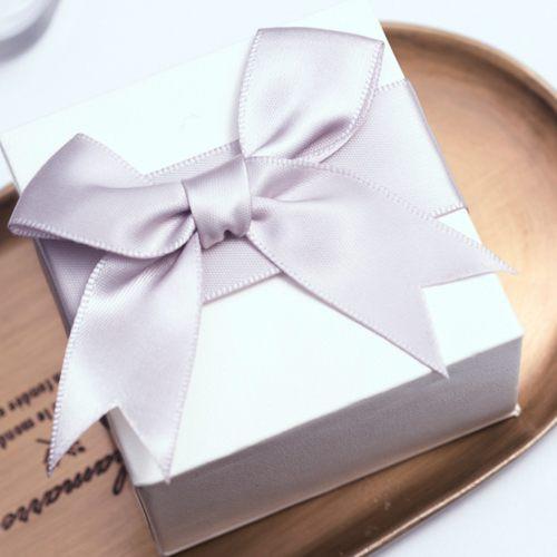 EVAEVA-緞面蝴蝶結 禮物盒