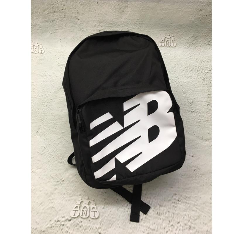 《TNT》NEW BALANCE 紐巴倫 帆布 輕便 大logo 後背包 BG01009GBK