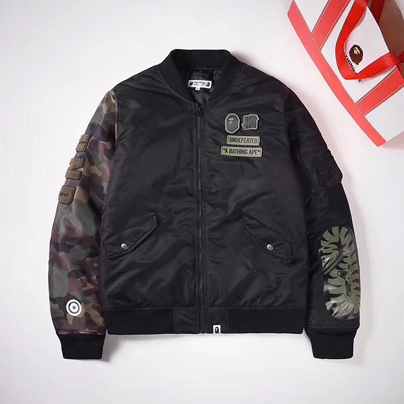 日本代購 BAPE 原宿猿人頭聯名UND男女情侶迷彩MA1立領夾克加厚棉服外套 夾克上衣 防風外套 上衣 棒球外套衣服